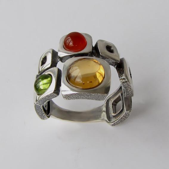 Кольцо с цитрином, хризолитом, янтарем, арт. 8КВ3