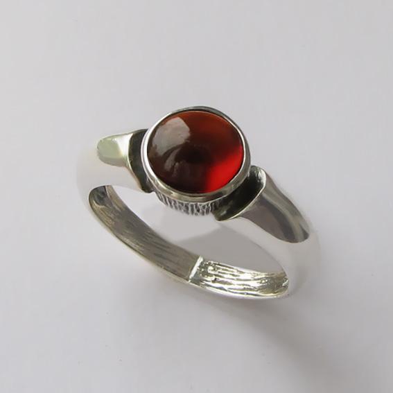Кольцо серебряное с гранатом, арт. ПФ36