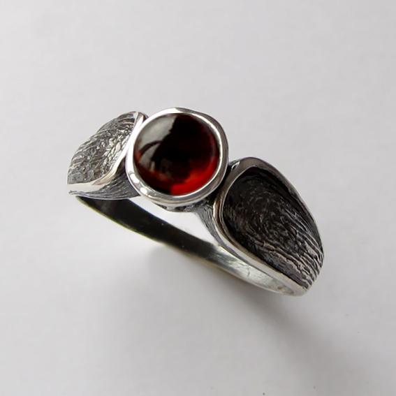Кольцо серебряное с гранатом, арт. ПФЧ36