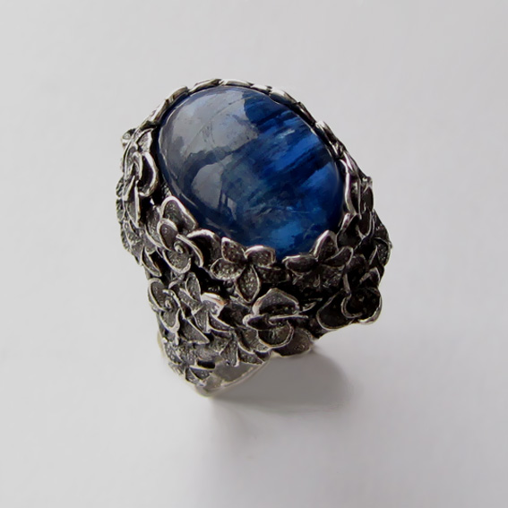 Кольцо из серебра с кианитом, арт.БУК3Н