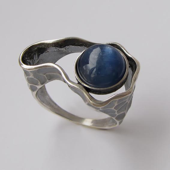 Серебряное кольцо с кианитом, арт. СДН3