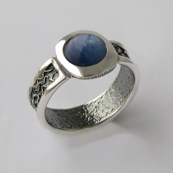 Кольцо с кианитом, арт.ИЕ3