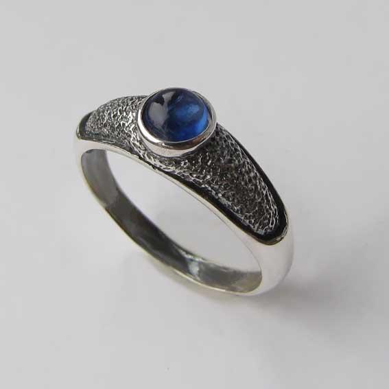 Кольцо из серебра с кианитом, арт.ПФ35