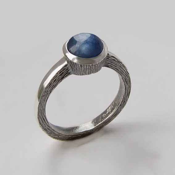 Кольцо с кианитом, арт.ПФ38