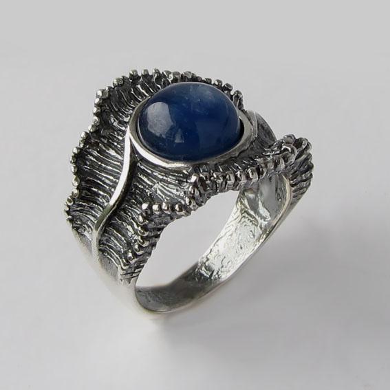 Кольцо с кианитом, арт. ВОЛ32