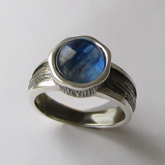 Серебряное кольцо с кианитом, арт.ПФ39Х