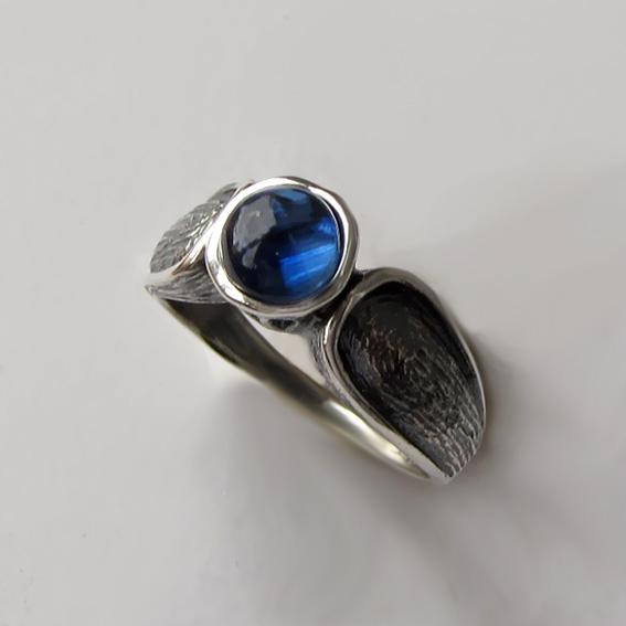 Кольцо серебряное с кианитом, арт. ПФЧ36