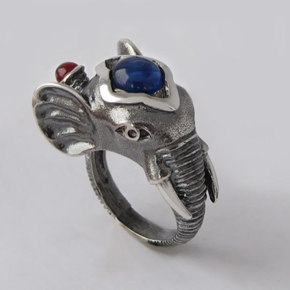 Кольцо с кианитом, гранатом, арт. СЛОН3