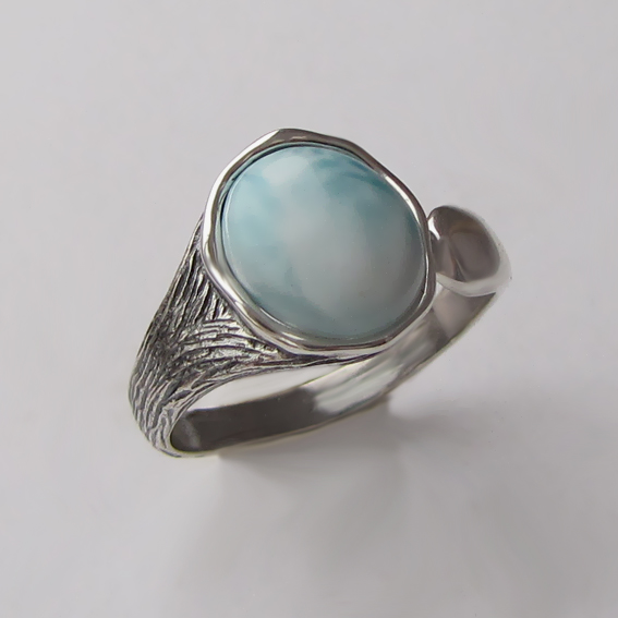 Кольцо из серебра с ларимаром, арт. ЧОВ3