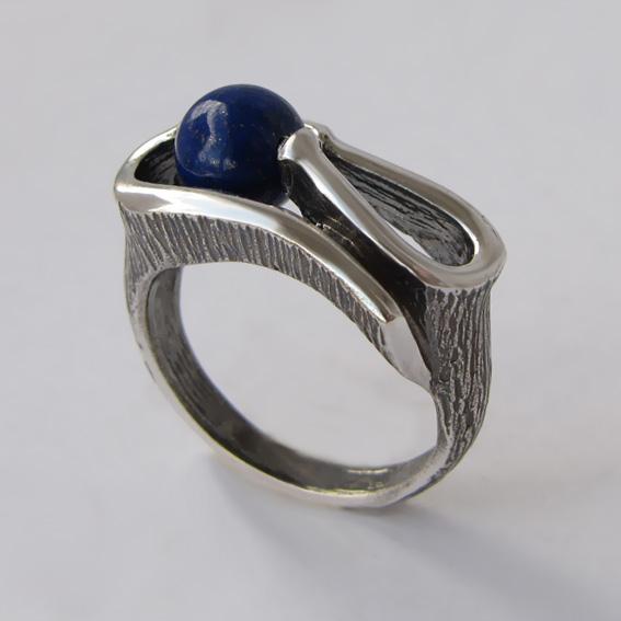 Серебряное кольцо с лазуритом, арт. ВОС3