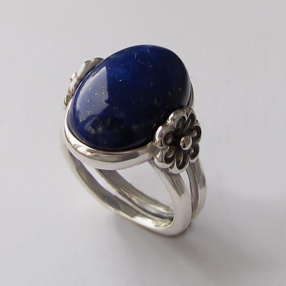 Кольцо из серебра с лазуритом, арт. РОМ3