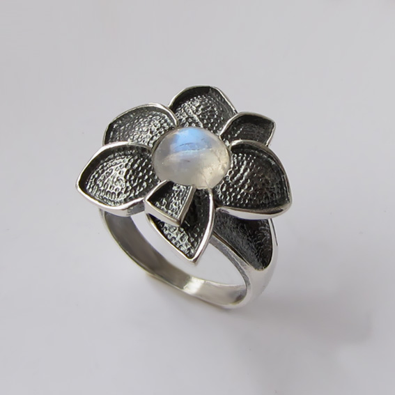 Кольцо с лунным камнем, арт. 6ПУХ3