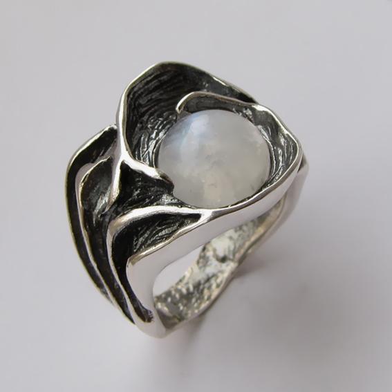 Кольцо с лунным камнем, арт. ИЗР3