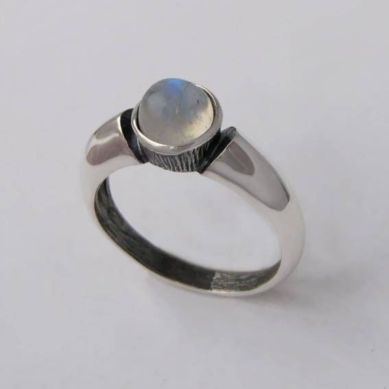 Кольцо с лунным камнем, арт. ПФ36