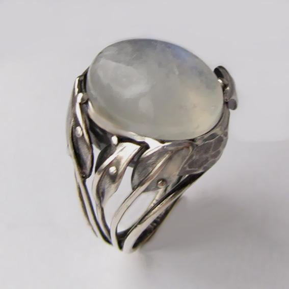 Кольцо с лунным камнем, арт. ВЕТ3
