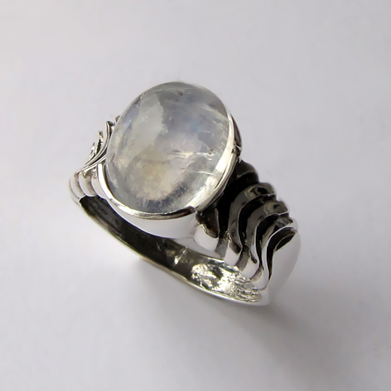 Кольцо с лунным камнем, арт. ЧЕШ3