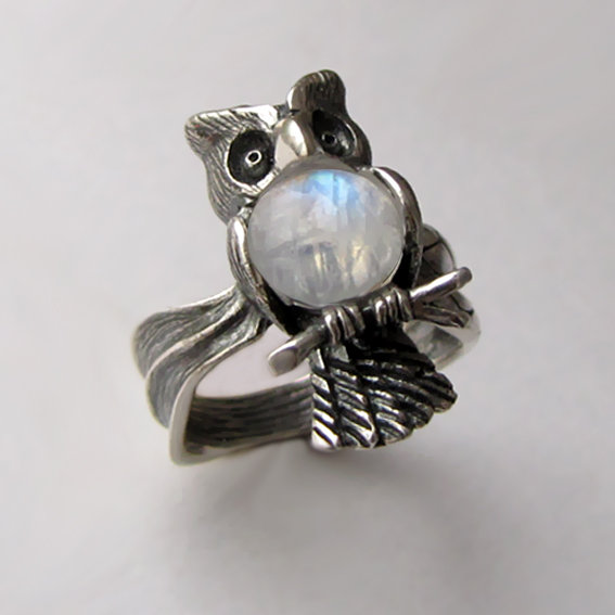 Кольцо с лунным камнем, арт. ФИЛ3
