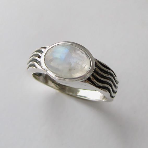 Кольцо с лунным камнем, арт. МОР3