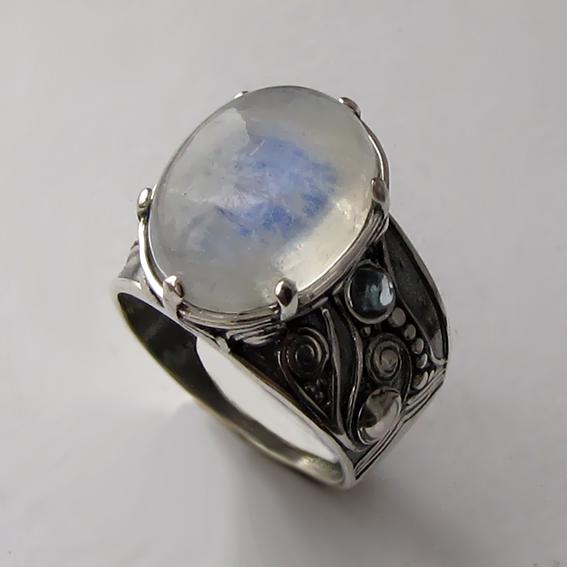 Кольцо с лунным камнем, арт. ПЕОР3