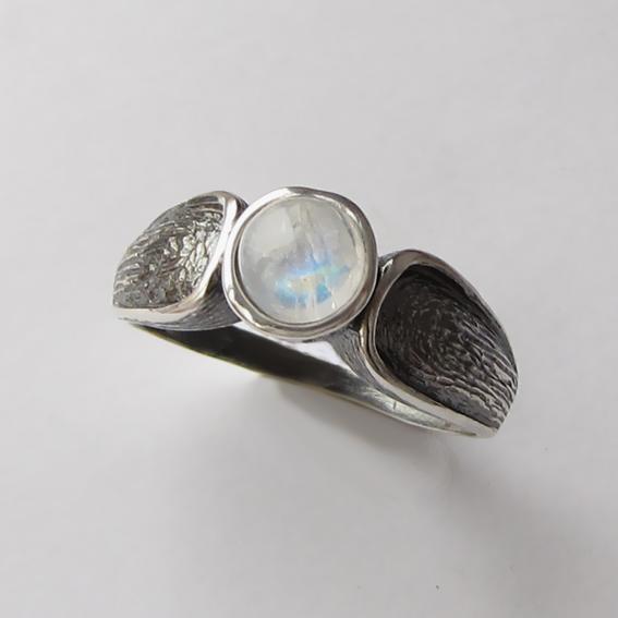 Кольцо с лунным камнем, арт. ПФЧ36