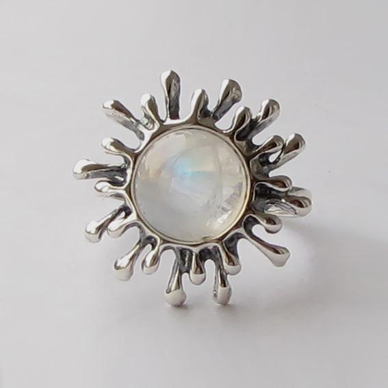 Кольцо с лунным камнем, арт. СЧ3