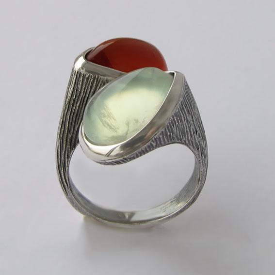 Кольцо с пренитом, сердоликом, арт. 2СЛЧ3