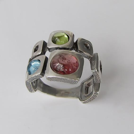 Кольцо с турмалином, хризолитом, топазом, арт. 8КВ3
