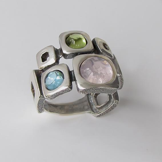 Кольцо с кварцем, топазом, хризолитом, арт. 8КВ3
