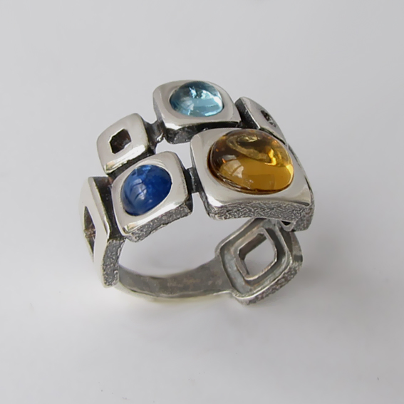 Кольцо с цитрином, топазом, кианитом, арт. 8КВ3