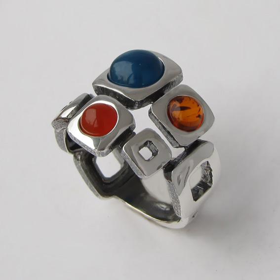 Кольцо с кианитом, сердоликом, янтарем, арт. 8КВ3