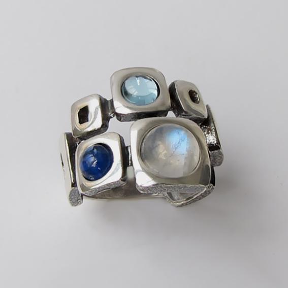 Кольцо с лунным камнем, кианитом, арт. 8КВ3