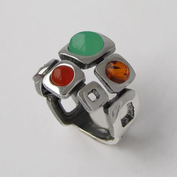 Кольцо с хризопразом, сердоликом, янтарем, арт. 8КВ3