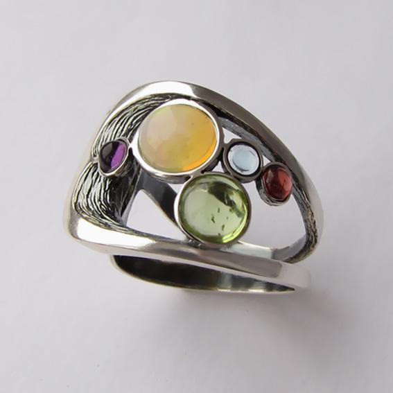 Кольцо с опалом, хризолитом, аметистом, гранатом НЛН37