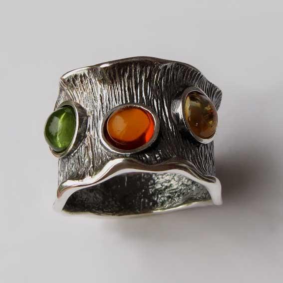 Кольцо с янтарем, хризолитом, цитрином, арт.ВОЛ36