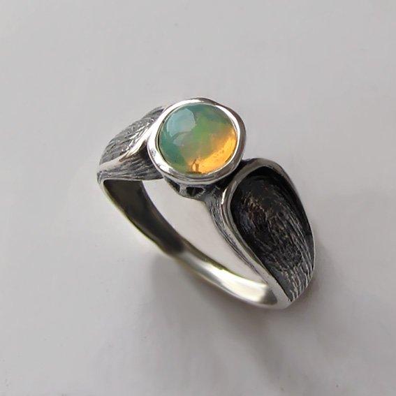 Кольцо с опалом серебряное, арт.ПФЧ36