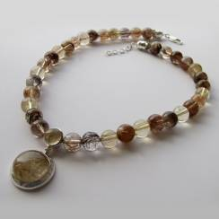 Ожерелье К10 с золотистым кварцем-волосатиком