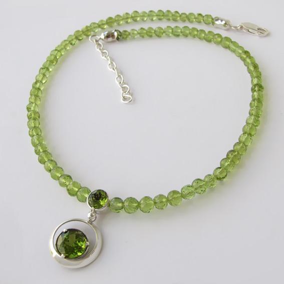 Ожерелье с хризолитом, арт. ККГ10