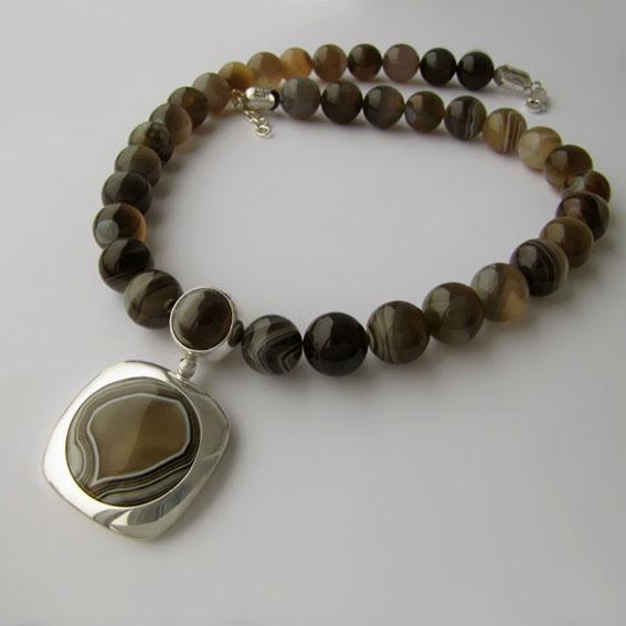 Ожерелье с ботсванским агатом КПП1025