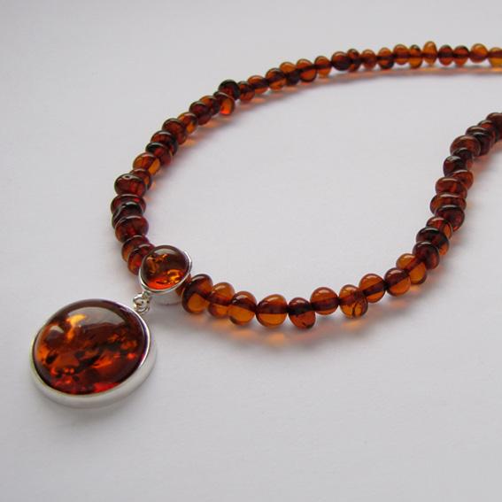 Ожерелье из серебра НК10 с янтарем