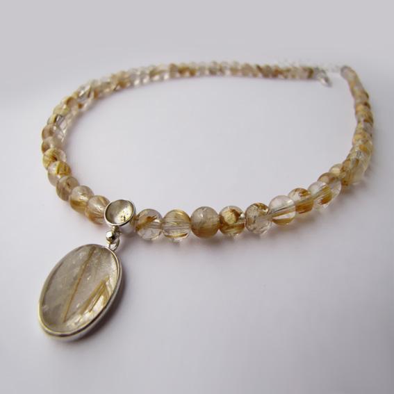 Ожерелье ОВ1013 с золотистым кварцем-волосатиком