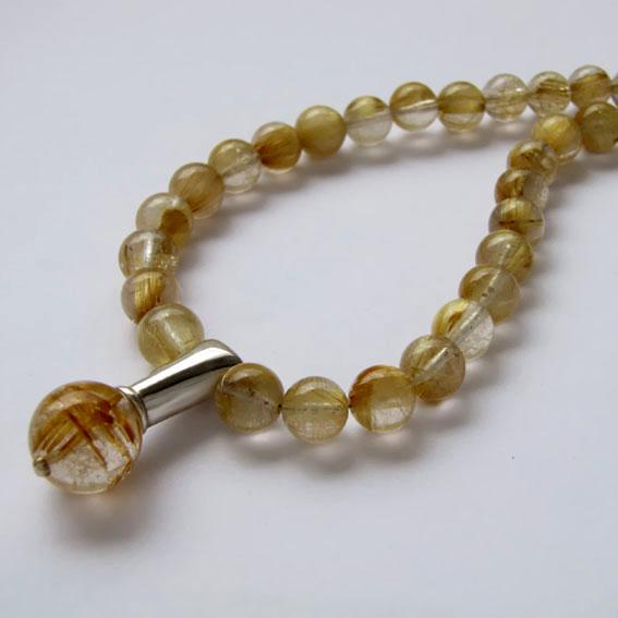 Ожерелье ПЛ10 с золотистым кварцем-волосатиком
