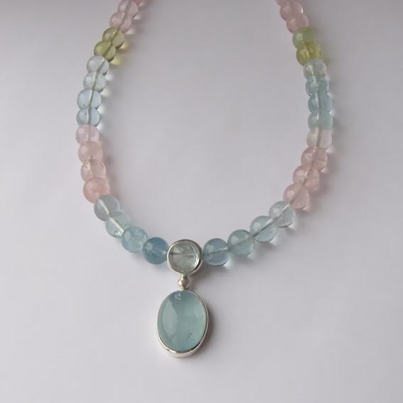Ожерелье с аквамарином микс ОВ12