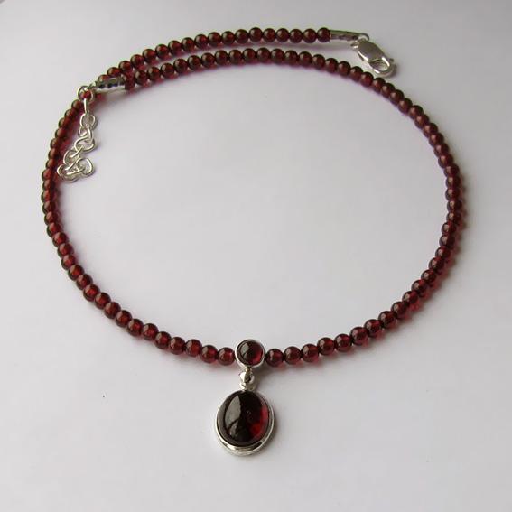 Ожерелье с гранатом, арт. ОВ1010