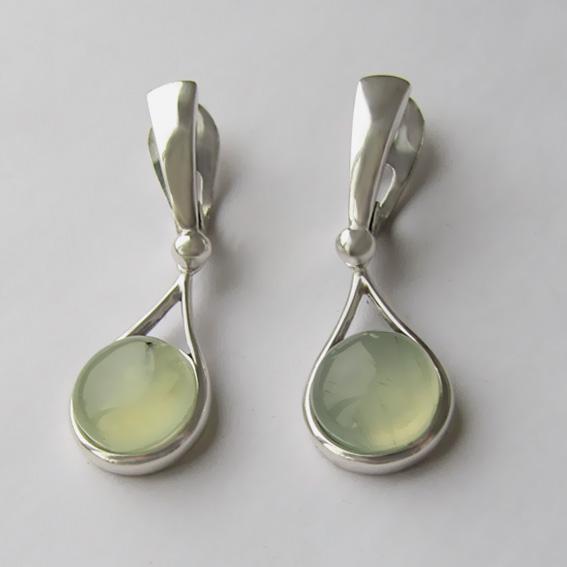 Серебряные серьги с пренитом, арт. ИКАП4Н