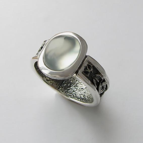 Кольцо с пренитом, арт. ИЕОВ3