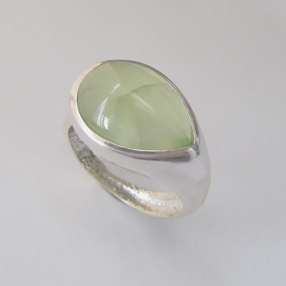 Кольцо с пренитом, арт. СЛП3