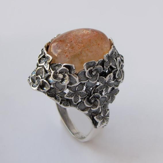 Кольцо с кварцем с включениями гематита, арт.БУК3