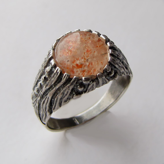 Кольцо с кварцем с включениями гематита, арт. ПР3