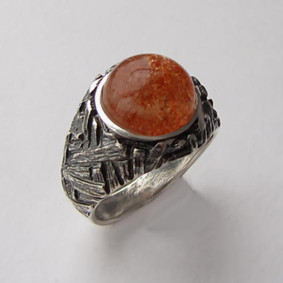 Кольцо с кварцем с включениями гематита, арт. ЭТ3