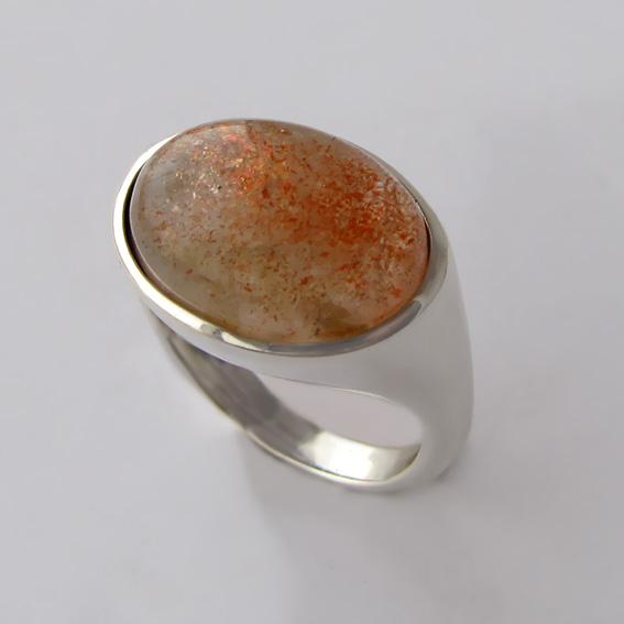Кольцо с кварцем с включениями гематита, арт.КОВ312